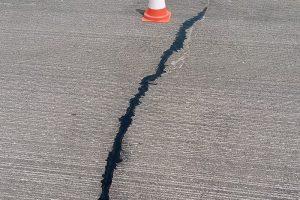Reparacija na asfaltni puknatini Kumanovo - Stracin 13
