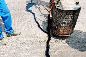 Reparacija na asfaltni puknatiniKumanovo - Stracin 15